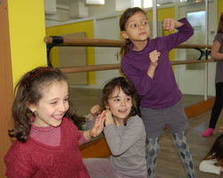 L'association du Scorpion Blanc - Le Bourget - Cours de danse - Initiation à la danse - cours destinés aux 7 / 8 ans
